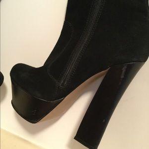 Bakers Shoes - (H by Halston) Bakers Black Bonita SZ 7B suede